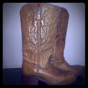 Ladies Frye Daisy Boots